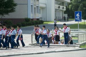 Severokórejskí školáci