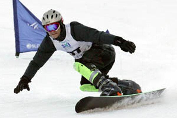 Takto jazdil Radoslav Židek minulý rok na pretekoch vo Vrátnej-Pasekách. Tento rok sú kvôli nedostatku snehu zrušené takmer všetky snoubordové podujatia.