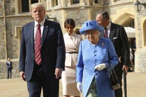 Britská kráľovná Alžbeta II. a americký prezident Donald Trump.