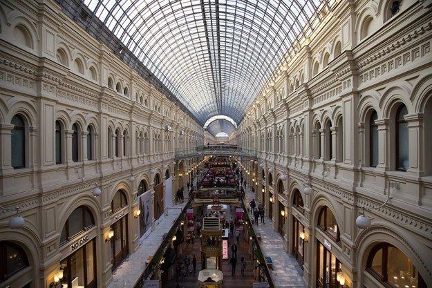 Guma, slávne historické nákupné centrum v Moskve.