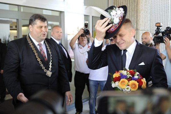 Vranovský primátor Ján Ragan (vľavo) audit odmietol podpísať.