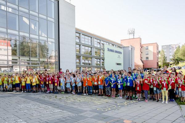 Malí absolventi Žilinskej detskej univerzity.