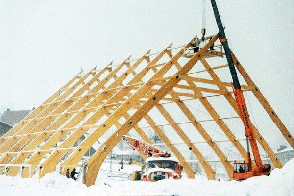 Na výstavbe štadióna v Oravskej Lesnej sa už odpracovalo 20 tisíc bezplatných hodín.