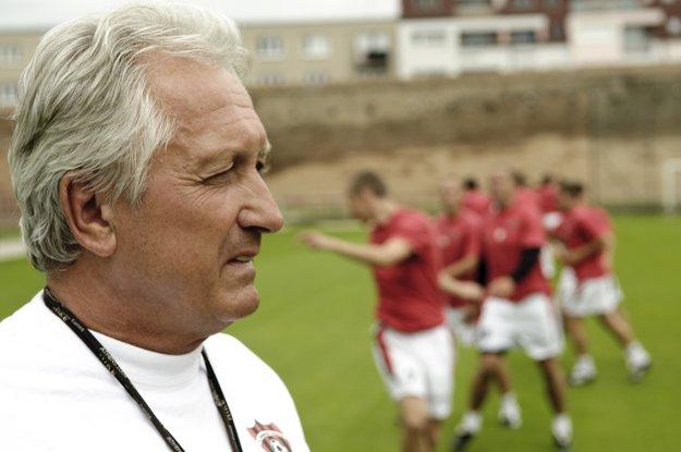 Karol Pecze na snímke z roku 2009 ešte ako tréner Spartaka Trnava.