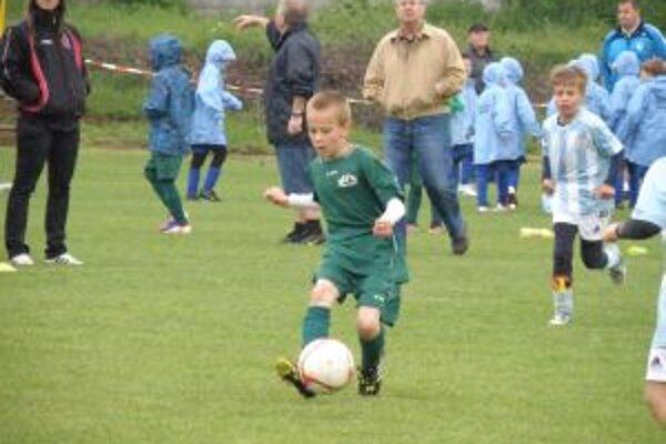 Chlapci N. Dubnice (v zelenom) obsadili bez prehry tretie miesto.