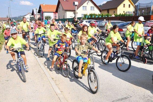 Medzi účastníkmi akcie bolo veľa detí.