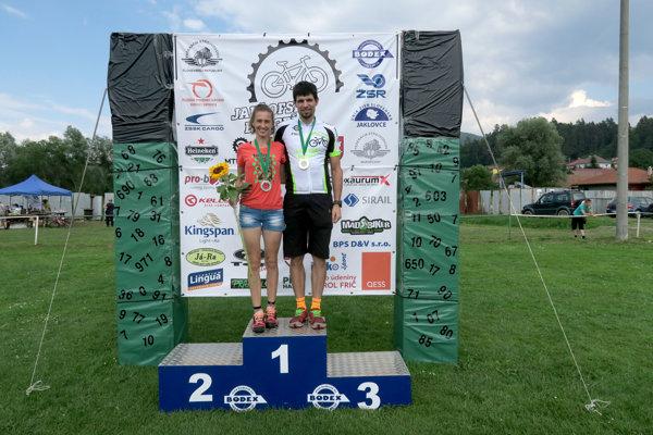 Katarína Lamiová smanželom Michalom po cyklistickom MTB maratóne vJaklovciach.