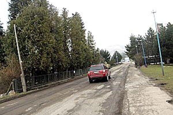 Štúrova ulica už bola v dezolátnom stave, je nutná jej rekonštrukcia.