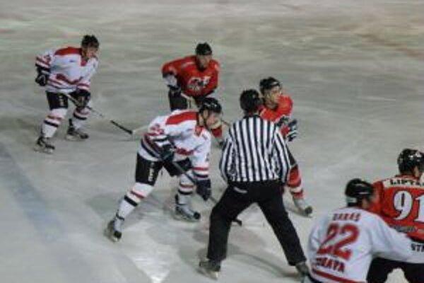 Pov. Bystrica (v červenom) proti Trnave potvrdila, že to je jej najobľúbenejší súper.