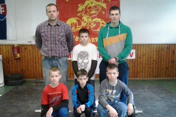 Dolný rad zľava Marek Barčák, Denis Balaban, Matúš Fidrík, horný rad zľava Ondrej Kružel, Peter Bomba, Ján Bomba.