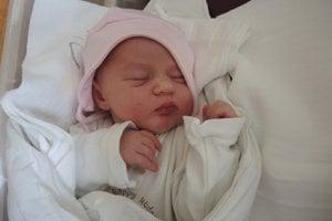 Nina Mikulovská (3370 g, 50 cm) sa narodila 19. júla Márii a Martinovi z Horného Srnia. Na sestričku sa doma teší päťročná Lea.
