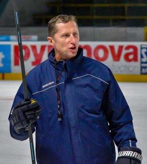 Tréner Antonín Stavjaňa.