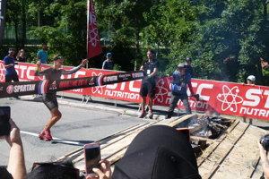 Sergei Perelygin ako prvý prebehol cieľovou páskou.