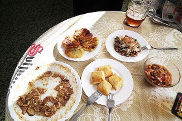 Lahôdky z rôznych druhov húb pripravila Iboja Polesná.