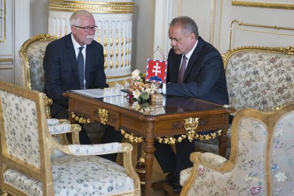 Predseda Slovenskej akadémie vied Pavol Šajgalík na stretnutí s prezidentom Andrejom Kiskom.