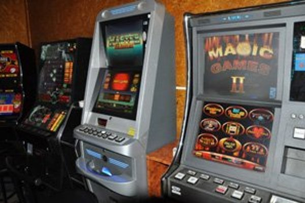 Hazardní hráči sú v kombinácii s alkoholom pôvodom nešťastia v mnohých rodinách.