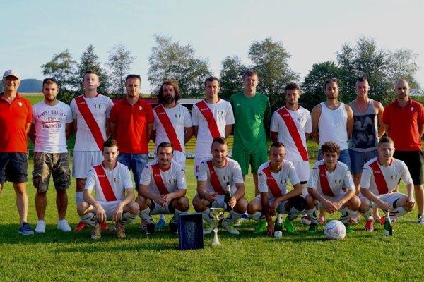 Futbalový tím TJ Belá-Dulice.