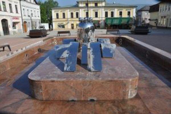 Rekonštrukcia hlavnej fontány stála 65 tisíc eur. Väčšinu roka je prázdna.