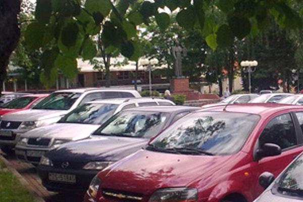 Bernolákovo námestie - bezplatne tam zaparkujete už iba do konca roka.