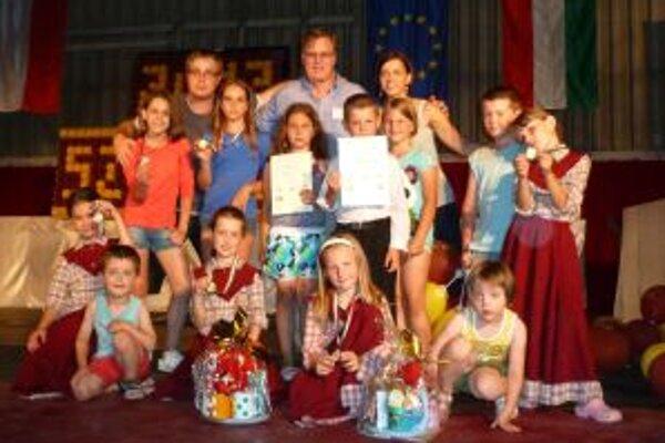 Z Maďarska si malí tanečníci priniesli dve zlaté medaily.