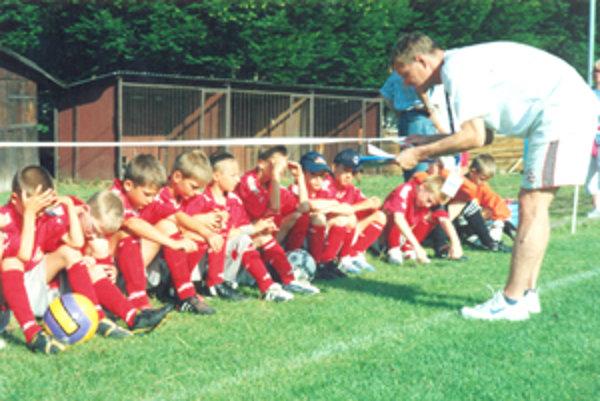 O futbalové talenty sa stará František Čajka.
