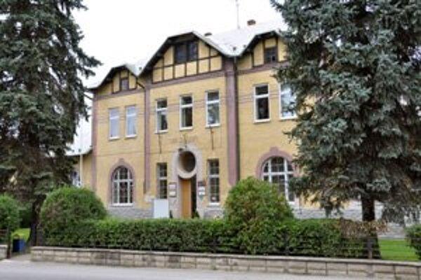 Sídlo trstenského mestského úradu.