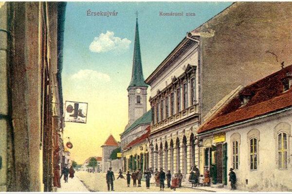 Pred 72 rokmi zaútočili v Nových Zámkoch partizáni na Židov. Násilnosti sa diali aj na Komárňanskej ulici.