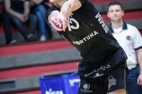 Matej Paták v drese bratislavského klubu.