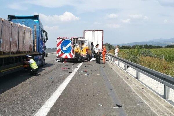 Predpokladajú, že využívanie radarov zníži riziko dopravnej nehody vúseku obmedzenia medzi štandardne označenými vozidlami NDS vstatickom stave apohybujúcimi sa vozidlami bežnej premávky.