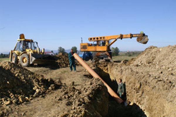 Rúry sú dnes zakopané, nie všetci ich využívajú.