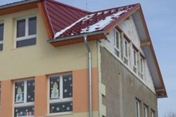 Budova škôlky narástla, na vrchu pribudlo nové poschodie.
