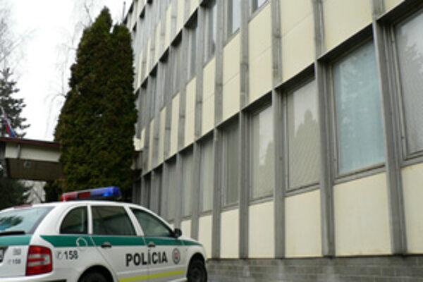 V budove obvodnej polície je azbest, policajti sa asi presťahujú.