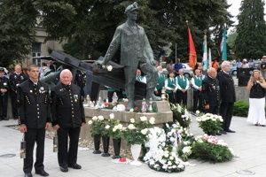 V Handlovej a Prievidzi si uctili pamiatku baníkov.