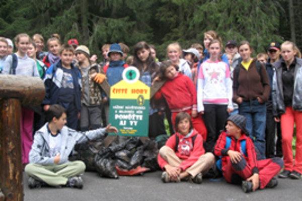 Čistým horám pomohli aj deti z Habovky.