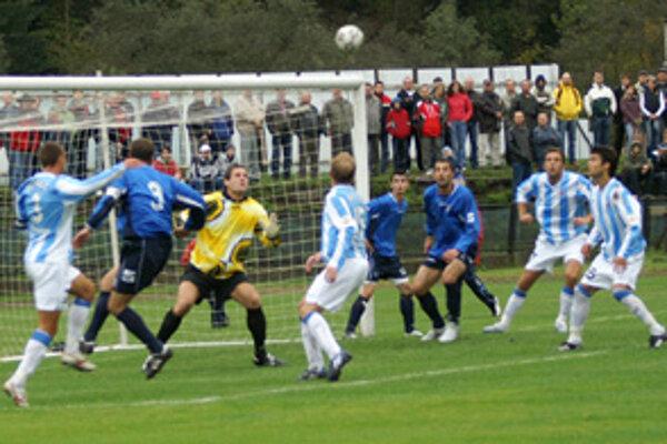 Z futbalového stretnutia Dolnokubínčanov so Slovanom Bratislava.