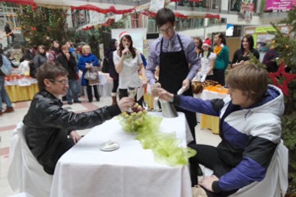 Občerstvenie v obchode - študenti prezentovali svoje zručnosti.