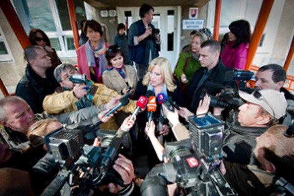 Iveta Radičová, prvá žena na poste premiérky slovenskej vlády, to v politike nemala ľahké.