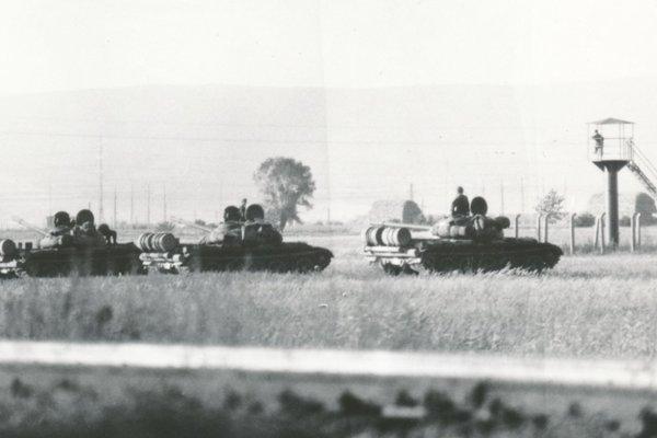 Okupačné vojská za Levicami.