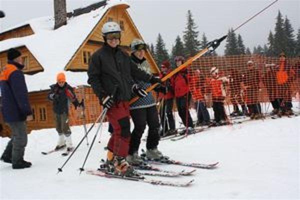 V Hruštíne sa začali lyžovať omnoho skôr ako po iné roky.