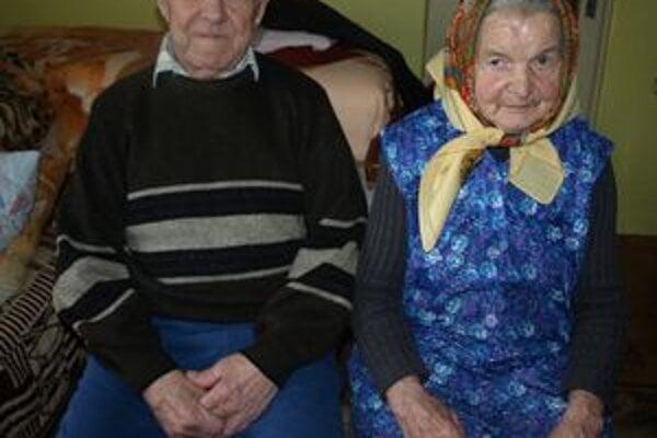 V spoločnom manželstve, v dobrom i zlom, nažívajú Irena a Martin Motýľovci – Záhradníkovci už celých šesťdesiat rokov.