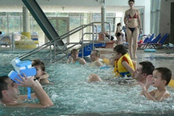 Akvapark v Dolnom Kubíne dnes patril predovšetkým autistickým deťom.