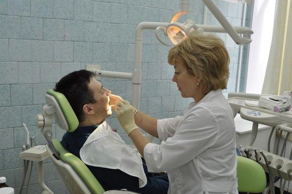 Zubári si môžu dovoliť mať vysoké doplatky, lebo dopyt po ich službách je veľký.
