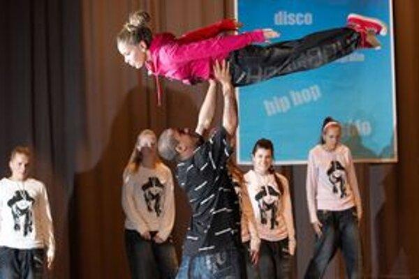 Tanečníci súťažili v kategóriách disco, show a hip-hop.