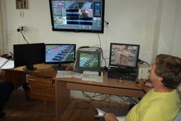 Okrem kamier nakúpilo mesto z dotácie aj nové monitory a ovládací panel.