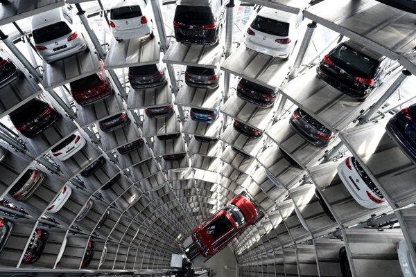 VW zvoláva do opravovní na celom svete vyše 700.000 vozidiel modelov Tiguan a Touran.
