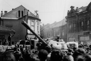 Tanky útočiacich vojsk sa ocitli aj v Liptovskom Mikuláši.