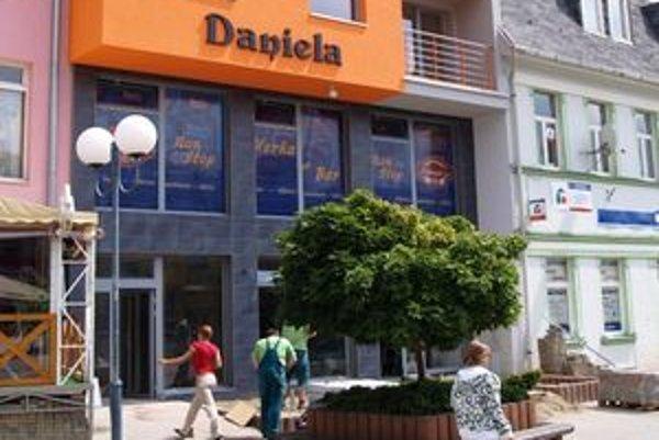 Obchodné centrum Daniela zaplnil posledné voľné miesto na Hviezdoslavovom námestí vNámestove.