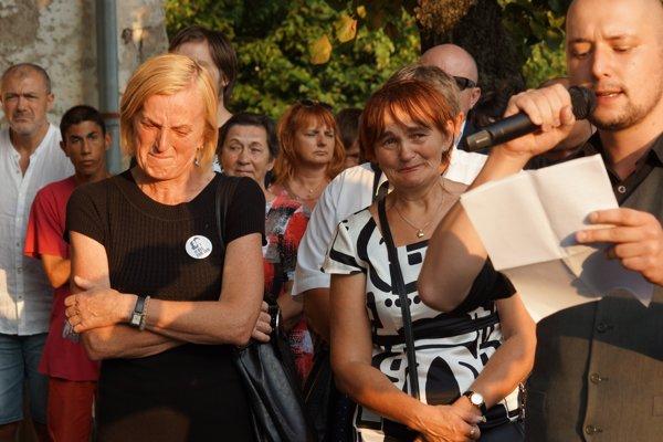 Zlatica Kušnírová i Jana Kuciaková sa počas autorovho výstupu neubránili slzám.
