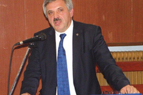 Oblastnému futbalovému zväzu Prievidza Ivan Bartoš šéfuje už tretie volebné obdobie.