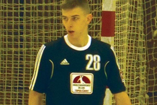 Marek Hlinka v zápase s Novými Zámkami vsietil sedem gólov.